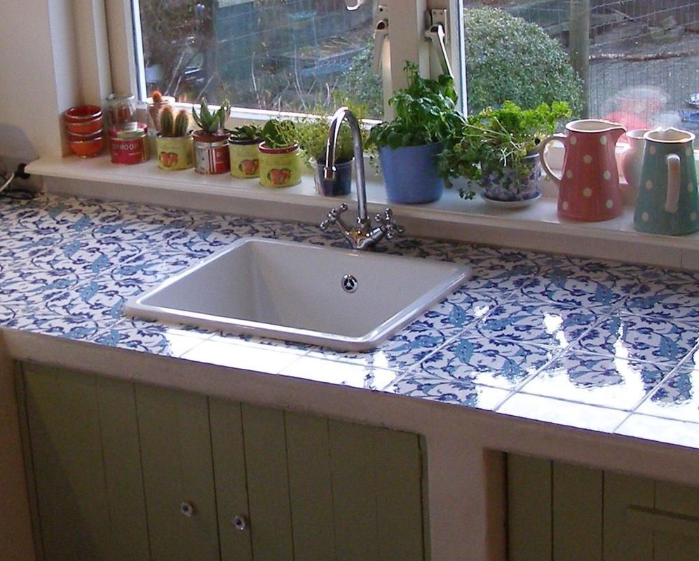 Woonkamer kleur rood - Tegel keuken oud ...